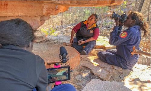 Photographers capture images of ancient Australian rock art